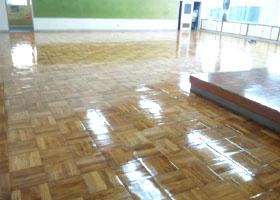 学校床-ウレタン塗装工事